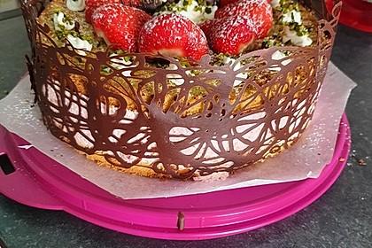 Pistazien - Erdbeer - Torte 5