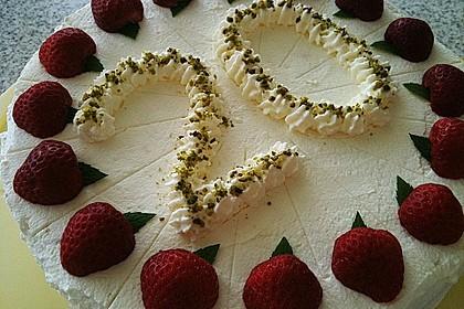 Pistazien - Erdbeer - Torte 9