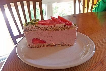 Pistazien - Erdbeer - Torte 14