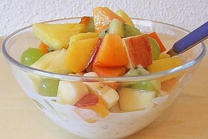 Joghurt - Knuspermüsli mit Obstsalat 9