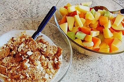 Joghurt - Knuspermüsli mit Obstsalat 1