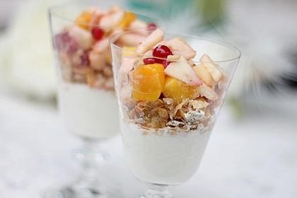 Joghurt - Knuspermüsli mit Obstsalat 2