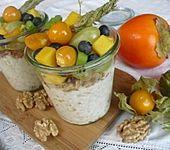 Joghurt - Knuspermüsli mit Obstsalat (Bild)