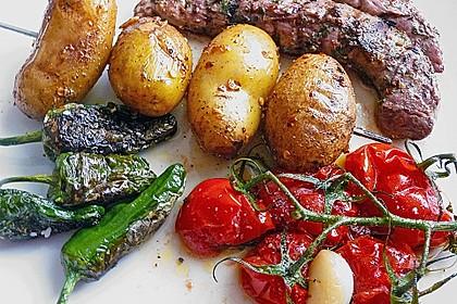 Feurige Kartoffelspieße vom Grill