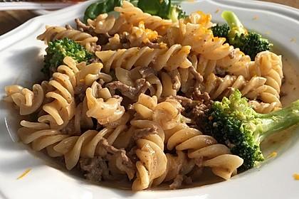 Brokkoli-Hackfleisch-Topf mit Nudeln 2