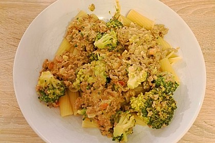 Brokkoli-Hackfleisch-Topf mit Nudeln 17