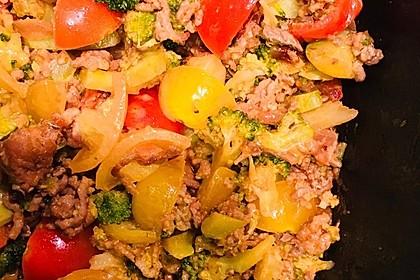 Brokkoli-Hackfleisch-Topf mit Nudeln 11