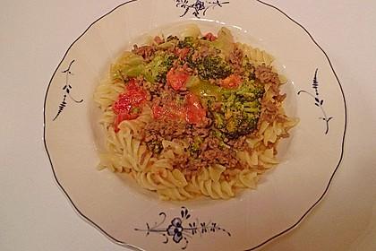 Brokkoli-Hackfleisch-Topf mit Nudeln 18