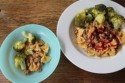 Brokkoli-Hackfleisch-Topf mit Nudeln 9