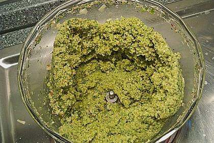 Paranussbraten in Blätterteig mit Preiselbeersauce 34