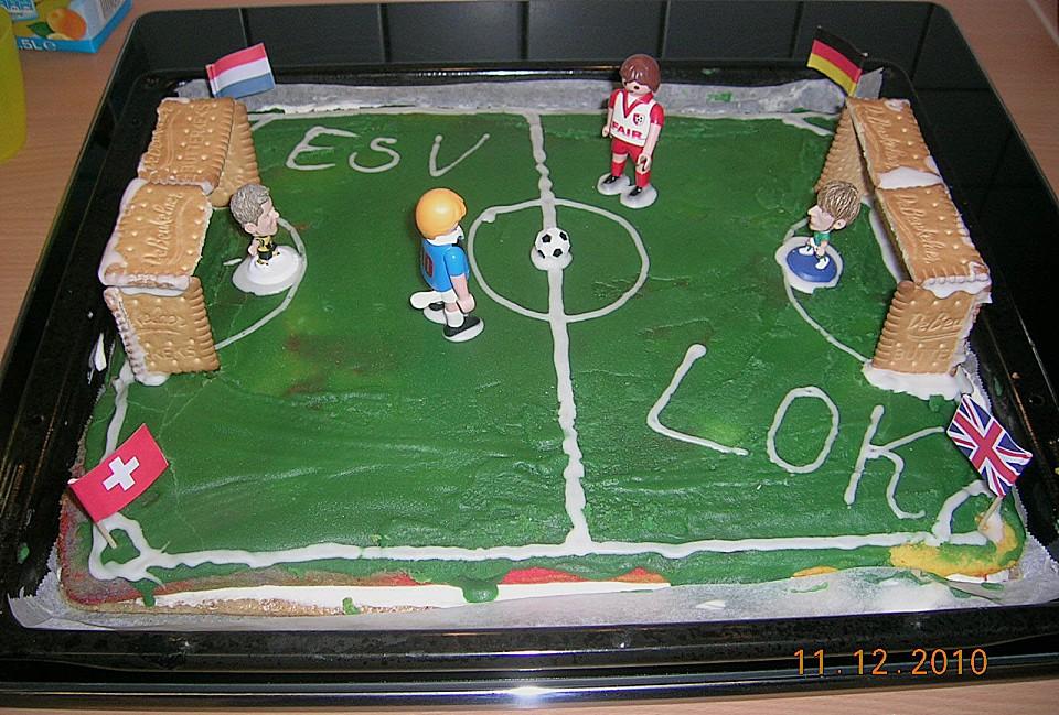 Fussballkuchen Einfach Und Schnell Von Meer40 Chefkoch De