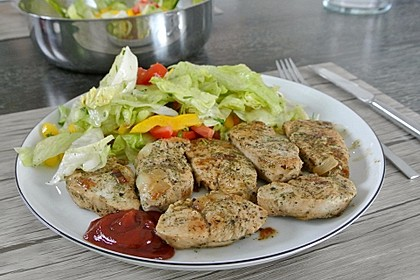 Bunter Salat mit Putenstreifen 3