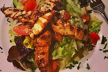 Bunter Salat mit Putenstreifen 24