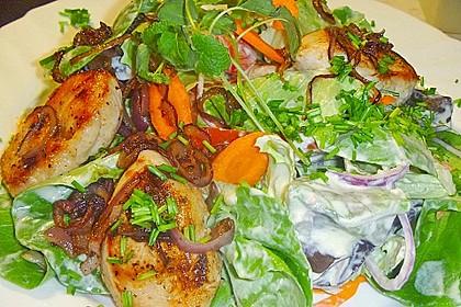 Bunter Salat mit Putenstreifen 22