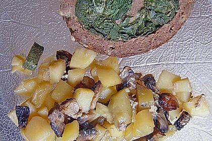 Hackbraten-Roulade mit Spinat 157