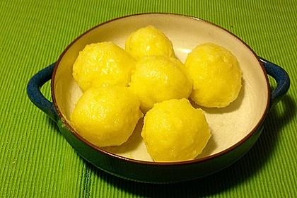 Kartoffelklöße 9