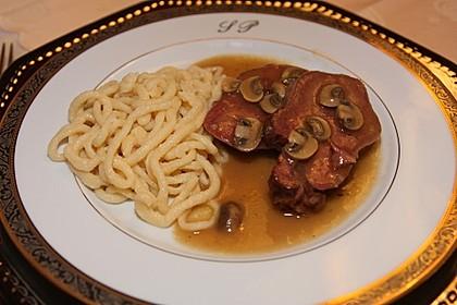 Rinderzunge mit Champignon - Madeirasoße 1