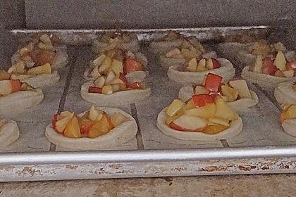 Apfeltartelette mit Eis