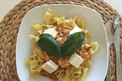 Bandnudeln mit frischen Tomaten, Mozzarella und Basilikum 5