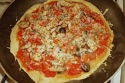 Binchens leichte Pfannenpizza 15