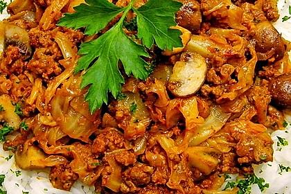 Spitzkohl-Champignon-Hack-Pfanne mit Reis 2