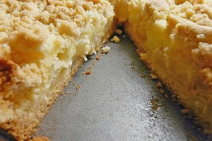 Leichter Apfelkuchen mit Vanillepudding und Streuseln 18