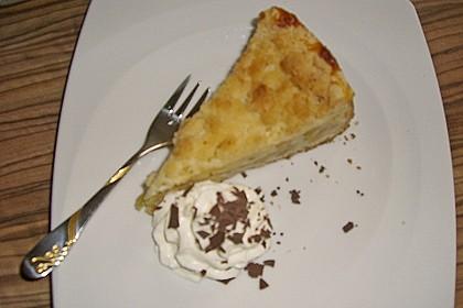 Leichter Apfelkuchen mit Vanillepudding und Streuseln 44