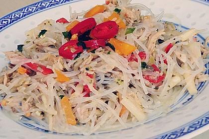 Asiatischer Glasnudelsalat mit Thunfisch