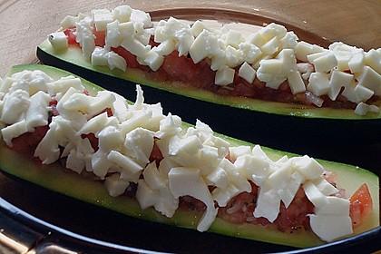 Überbackene Zucchini mit Mozzarella an Reis 4