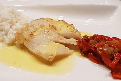 Paniertes Fischfilet mit Paprikaschaum und Knoblauchnudeln 6