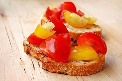 Gegrillte Tomatencrostini