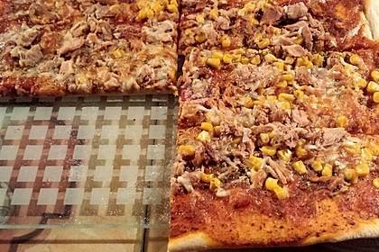 Pizza Salami mit Knoblauch 7