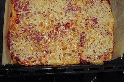 Pizza Salami mit Knoblauch 22