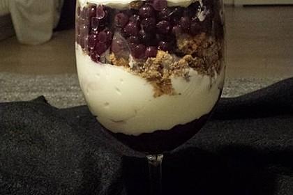 Schichtdessert mit Weintrauben 30