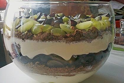 Schichtdessert mit Weintrauben 2