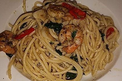 Spaghetti mit Garnelen 24