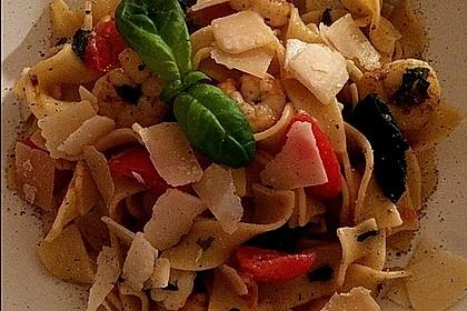 Spaghetti mit Garnelen 23