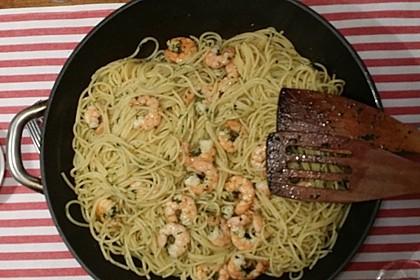 Spaghetti mit Garnelen 34