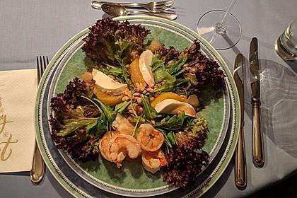 Rucola - Salat mit Orangenfilets, Büffelmozzarella und Scampi
