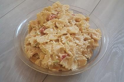 Nudelsalat mit Curry (Bild)