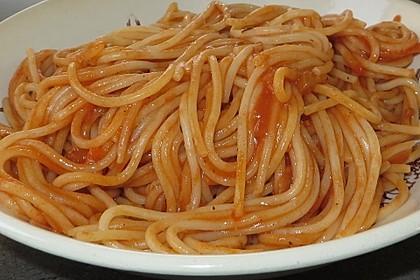 Spaghetti mit italienischer Tomatensauce 3