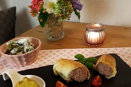Bratwurst im Blätterteig (Bild)
