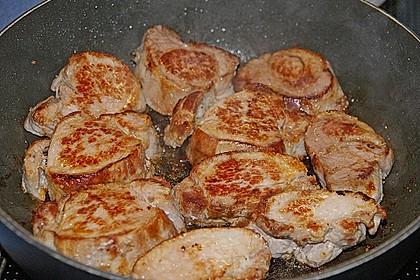 Schweinelende mit pikanter Soße und Kräutern der Provence 5