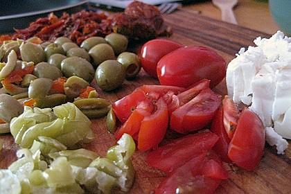Antipasti - Salat mit Schafskäse und Pesto - Dressing 9