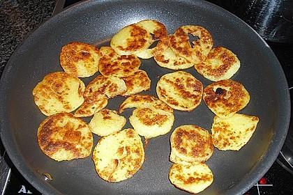 Kartoffelknödel geröstet mit 'Zugabe' 1