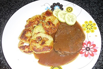 Kartoffelknödel geröstet mit 'Zugabe'