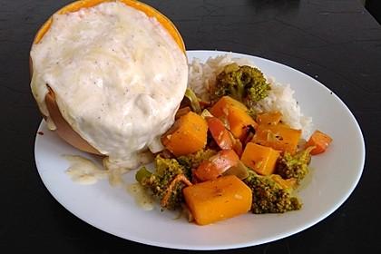 Baked Butternut mit Reis und Currygemüse 32