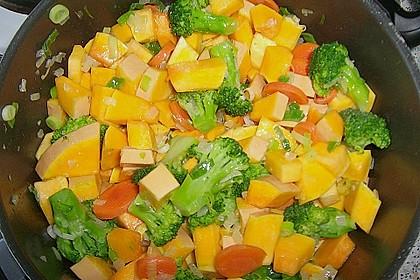 Baked Butternut mit Reis und Currygemüse 25