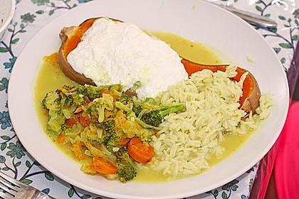 Baked Butternut mit Reis und Currygemüse 14