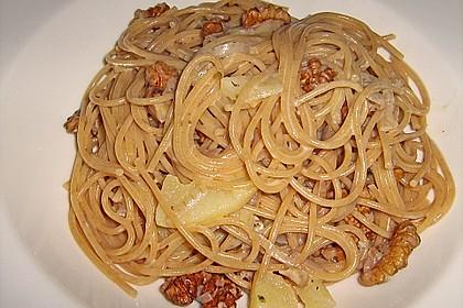 Pasta mit Birnen-Walnusssauce 2